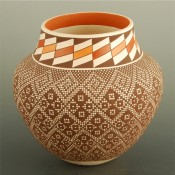 Antonio, Frederica – Jar with Snowflake Pattern